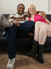 Pretty blonde BBW cam model Sparkle invites her black boyfriend over for a live sex show